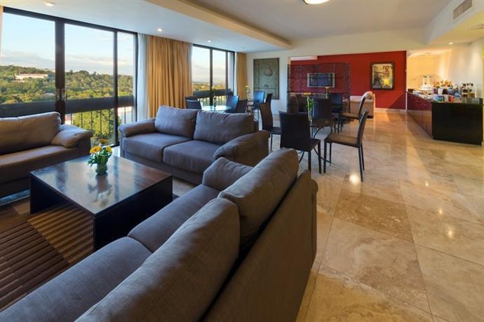 Crowne Plaza Hotel San Salvador - dream vacation