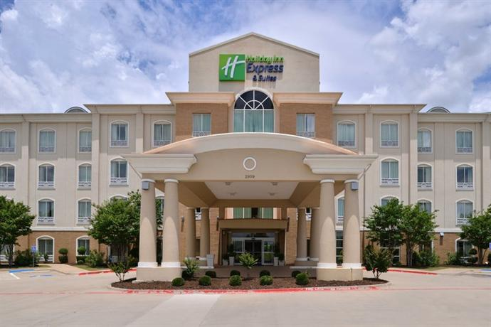 Holiday Inn Express Hotel & Suites Sherman - dream vacation