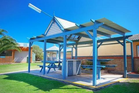 Photo: Discovery Parks - Adelaide Beachfront