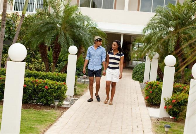 Holiday Inn Resort Grand Cayman - dream vacation