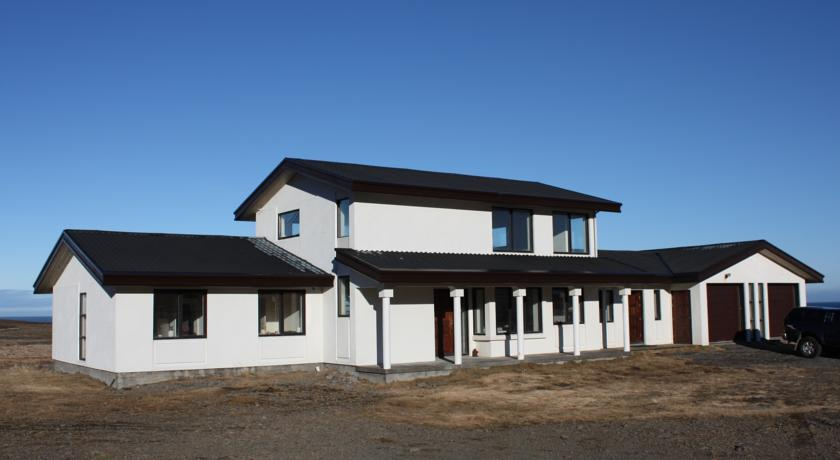 Guesthouse Reykjarholl - dream vacation