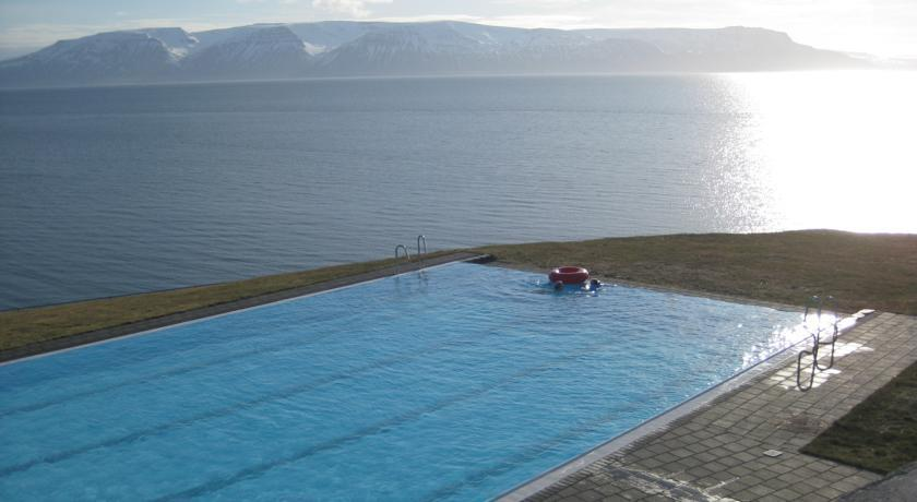 Grund Guesthouse Hofsos Iceland - dream vacation