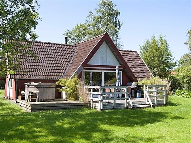 Three-Bedroom Holiday home in Store Fuglede 1 - dream vacation