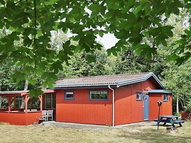 Two-Bedroom Holiday home in Ronne 2 - dream vacation