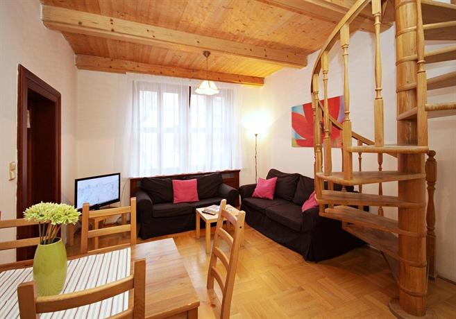 ApartmentsApart Old Town A23 - dream vacation