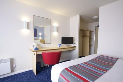 Travelodge Hotel Llanedeyrn Cardiff - dream vacation