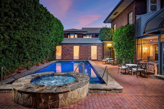 Photo: Adelaide Inn Adelaide