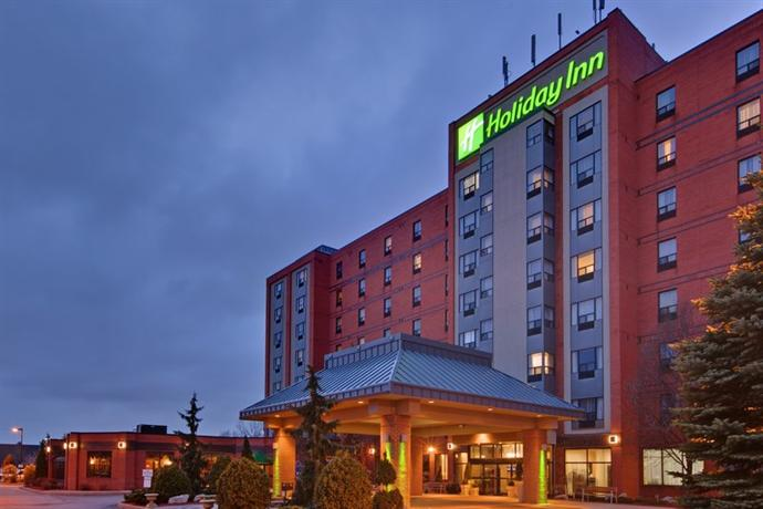 Holiday Inn & Suites Windsor Ambassador Bridge