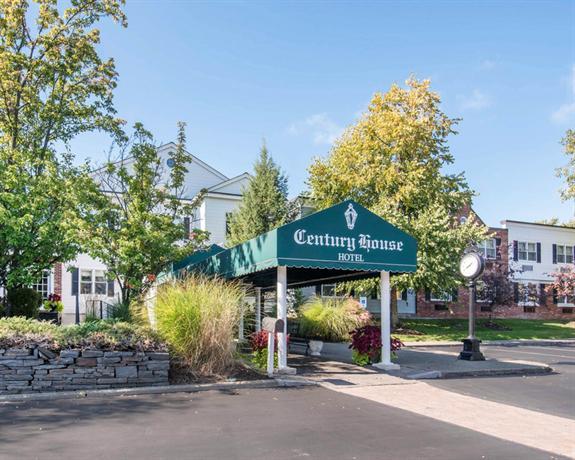 Clarion Hotel Century House Latham - Albany -