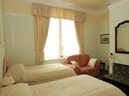 Crescent Guest House Newport Wales - dream vacation