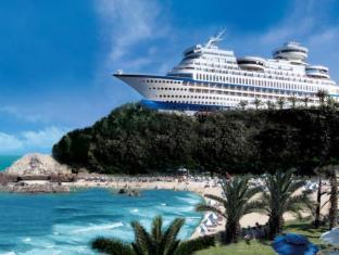 Sun Cruise Resort and Yacht - dream vacation