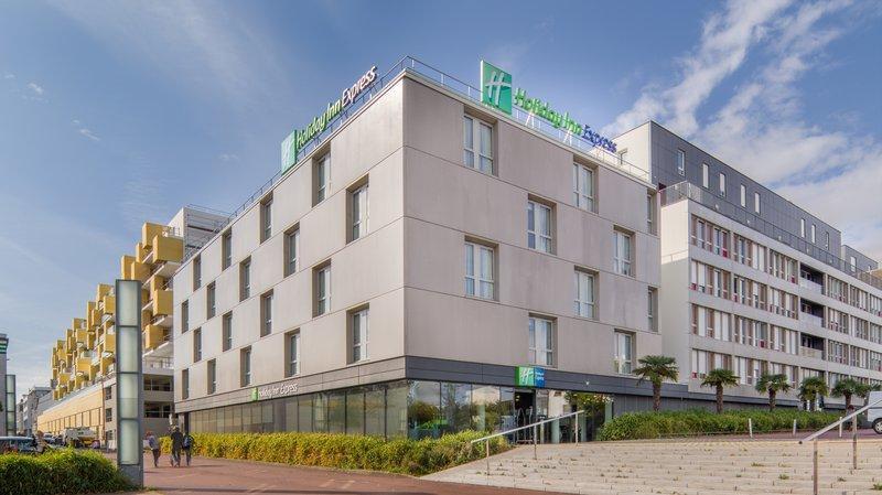 Holiday Inn Express Saint-Nazaire - dream vacation