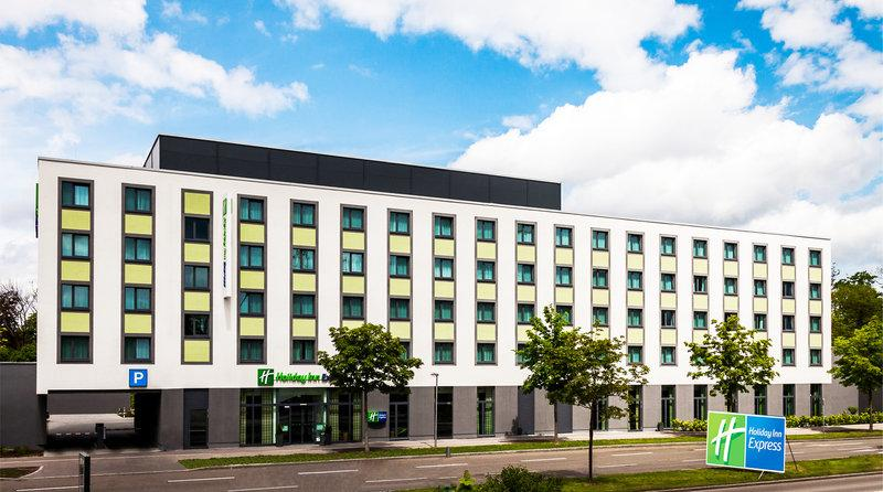 Holiday Inn Express Augsburg - dream vacation
