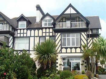 Tudor Court Bed & Breakfast Falmouth - dream vacation