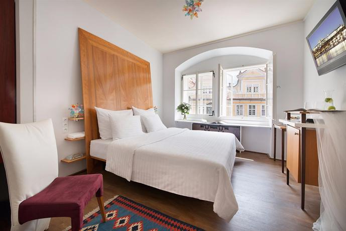 Design hotel neruda prague compare deals for Design hotel prag