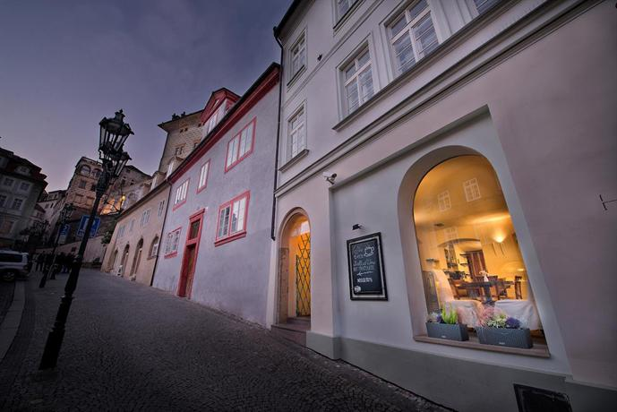 Design hotel neruda prague compare deals for Design hotel prague