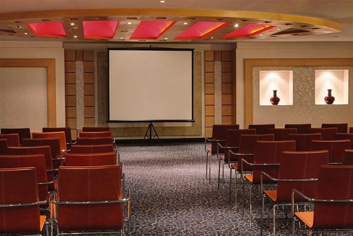 Anwar Al Madinah Movenpick Hotel - dream vacation