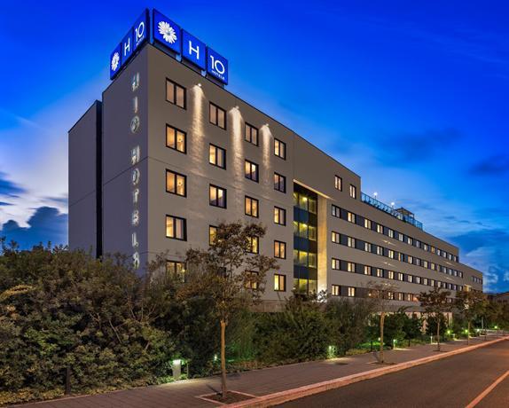 Kyriad Hotel Laval