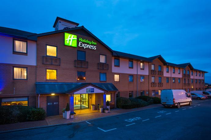 Holiday Inn Express Swansea East - dream vacation