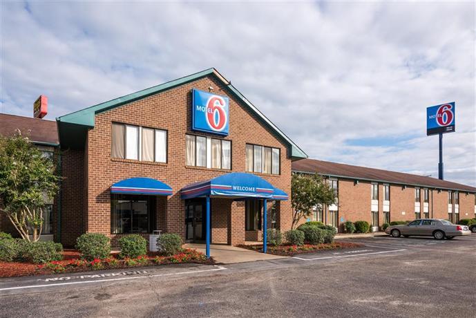 Motel 6 Roanoke Rapids - dream vacation