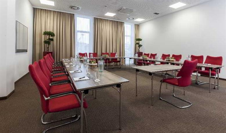 Star Inn Hotel Premium Munchen Domagkstrasse by Quality - dream vacation