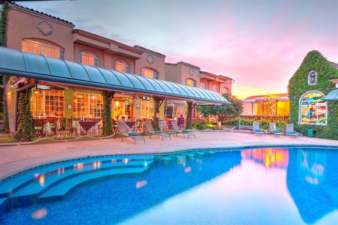 Casa Conde Hotel & Suites - dream vacation