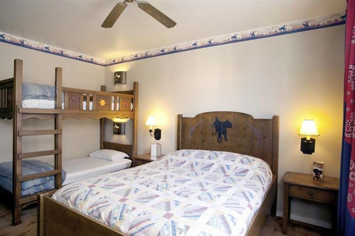Disney\'s Hotel Cheyenne - dream vacation