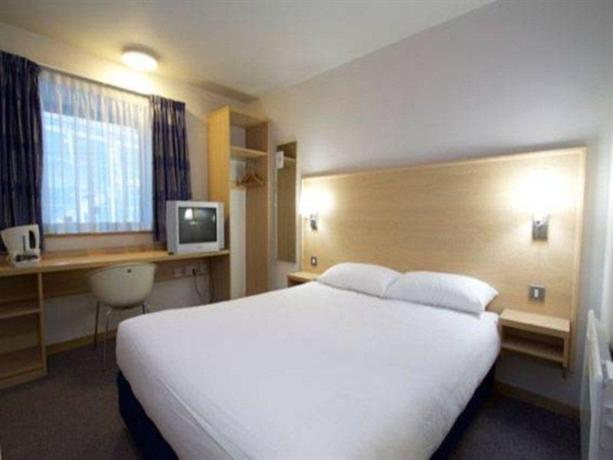 Travelodge Aberdeen Central - dream vacation