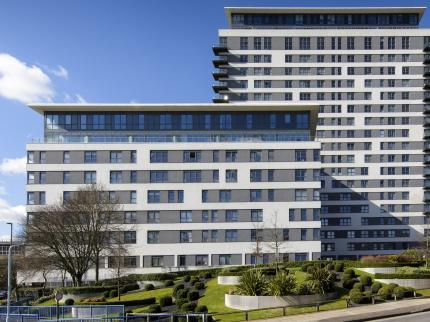 BSA Apartments Skyline Plaza - dream vacation