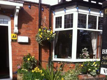 Stretton Guest House - dream vacation