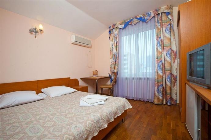 Отель Черноморье