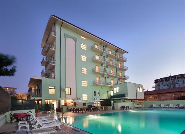Rock Hotel - dream vacation