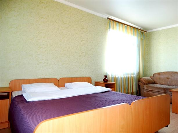 Inndays Na Ulitse Maksimovskogo Economy Apartments - dream vacation