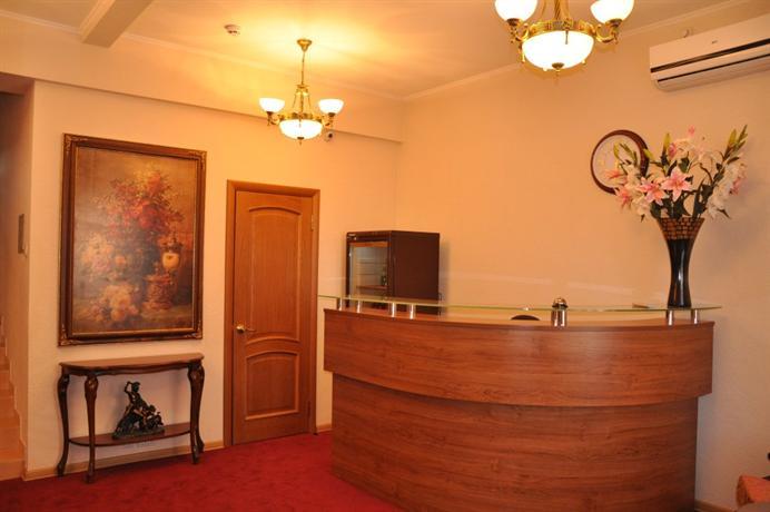 Отель Байрон