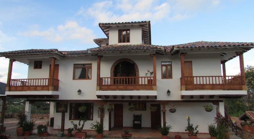 Casa de campo hotel villa de leyva compare deals for Hotel casa de campo