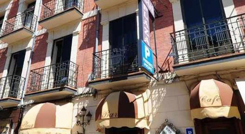 Hostal Plaza Segovia - dream vacation