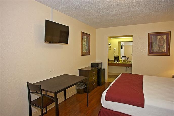 southern oaks inn saint augustine. Black Bedroom Furniture Sets. Home Design Ideas