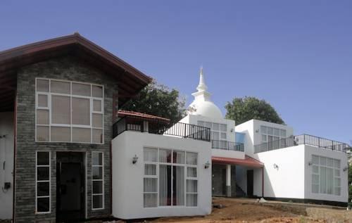 Villa Baywatch Rumassala - dream vacation
