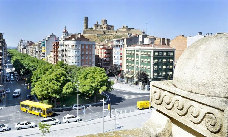 Catalonia Transit Hotel - dream vacation