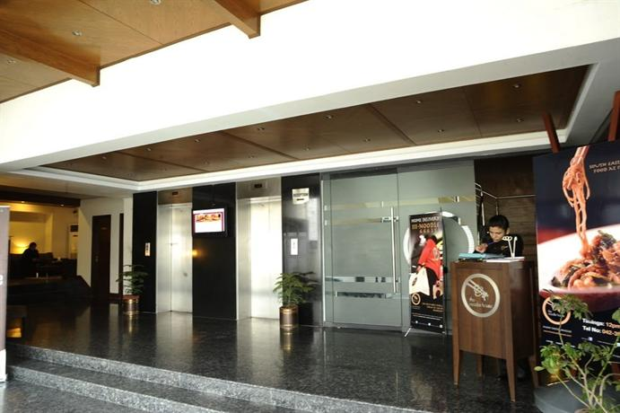 Hotel One Hussain Chowk - dream vacation