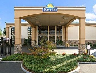 Days Inn Suites Tuscaloosa - dream vacation