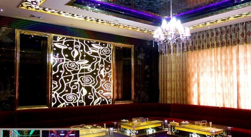 Kashgar Yinruilin International Hotel - dream vacation