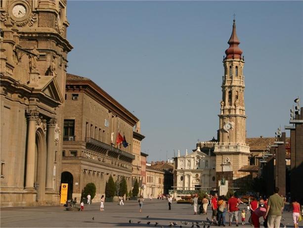 Ibis Zaragoza Centro - dream vacation