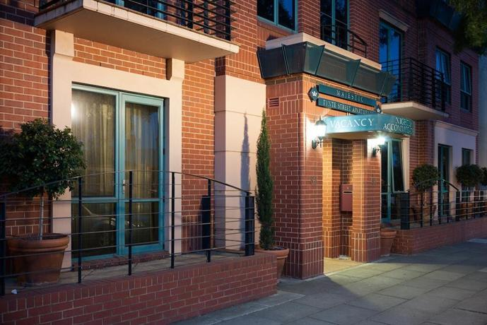 Majestic Tynte Street Apartments - dream vacation