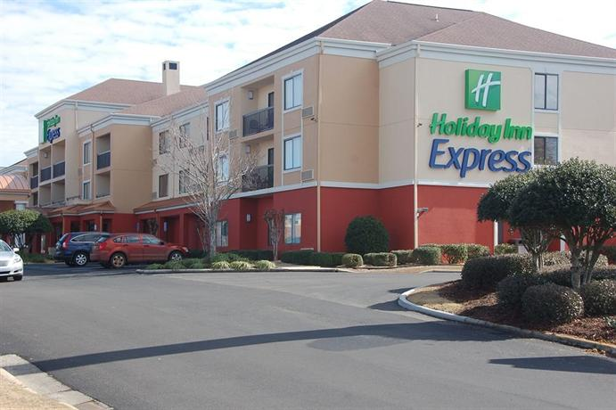 Holiday Inn Express Tifton - dream vacation