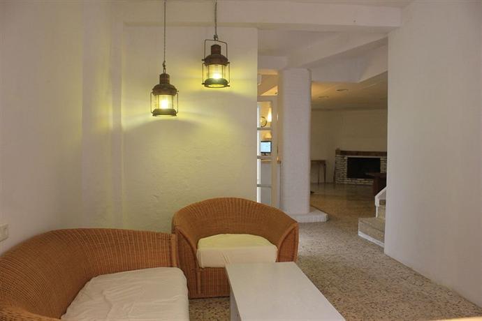 InHouse Marbella Hostel - dream vacation