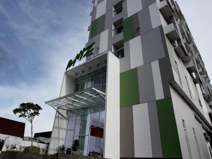 Whiz Hotel Pemuda Semarang - dream vacation