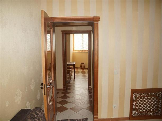 33 Kvartirki Apartment On Revolutsionnaya