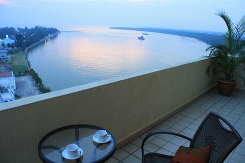 Muar Traders Hotel - dream vacation
