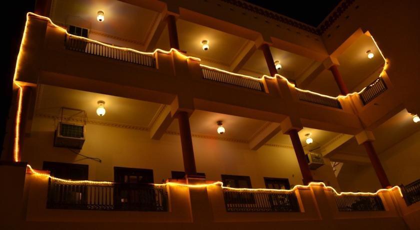 Hotel Desert Winds - dream vacation